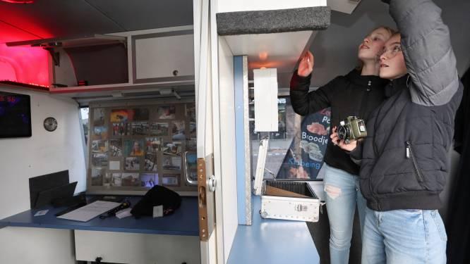 Gehackt of afgeperst met naaktfoto's? Escaperoom maakt Lochemse jeugd alert op gevaren van online