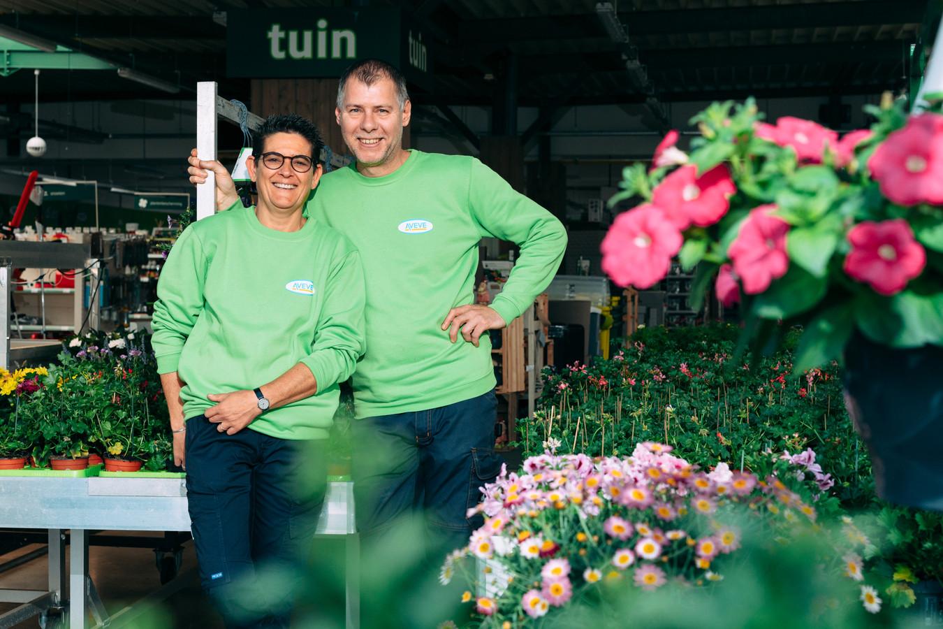 Koen en Ria Geenen in hun Aveve Tuincentrum.1