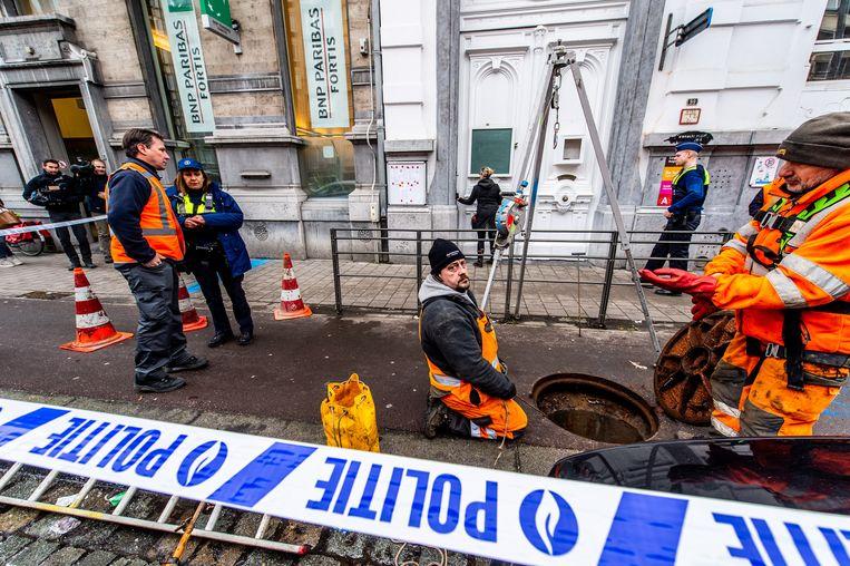 De Antwerpse bank waar dit weekend een spectaculaire bankroof werd gepleegd. Beeld BELGA