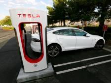Brandweer Haaglanden leert Tesla kennen