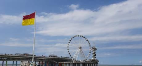 Hoe hangt de vlag erbij op het Haagse strand?