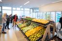 De vorig jaar geopende winkel van de Veenendaalse Voedselbank waar veel van de producten van de stadsakkers naar toe gaan.
