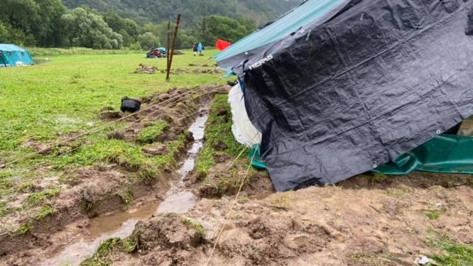 """Scouts De Vlasschaard geëvacueerd naar sporthal: """"Kampterrein staat deels onder water"""""""