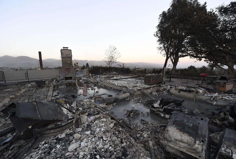 Een uitgebrand huis in Malibu. Beeld AFP