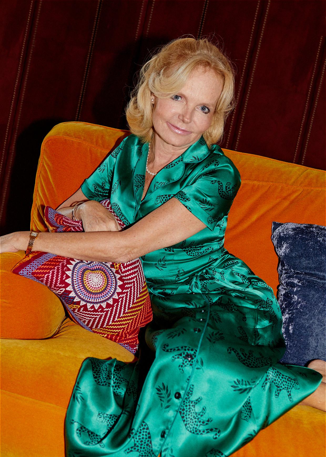 Lucinda Riley: 'Ik ben een vrouw die boeken schrijft die aanslaan bij de massa. Natuurlijk willen recensenten mijn kop eraf.' Beeld Joe Hart