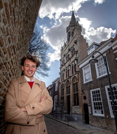 Jordi (19) zit achter de Facebookpagina Tholen Toen en Nu: 'Ik ben trots op de hele stad'