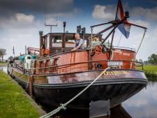Historisch binnenvaartschip lag twee jaar in Steenwijker haven, maar dat bleek illegaal: 'Ik had wél toestemming'