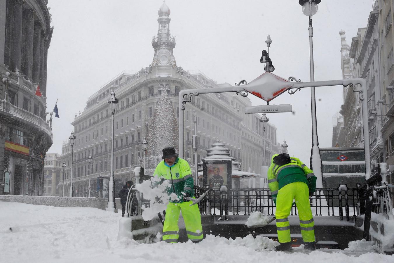 In de hoofdstad viel tot een halve meter sneeuw.