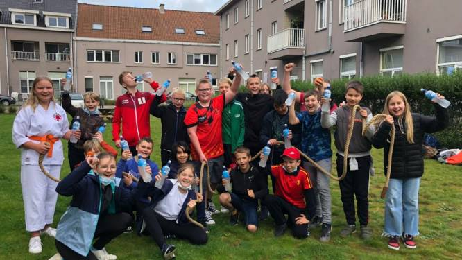 Eerstejaars winnen touwtrektornooi tijdens 'Dag van de Sportclub' bij Sint-Laurens