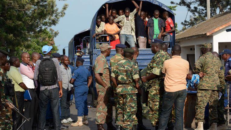 Burundese rebellen die in Congo gevangen zijn, worden uitgeleverd aan Burundi. Beeld AFP