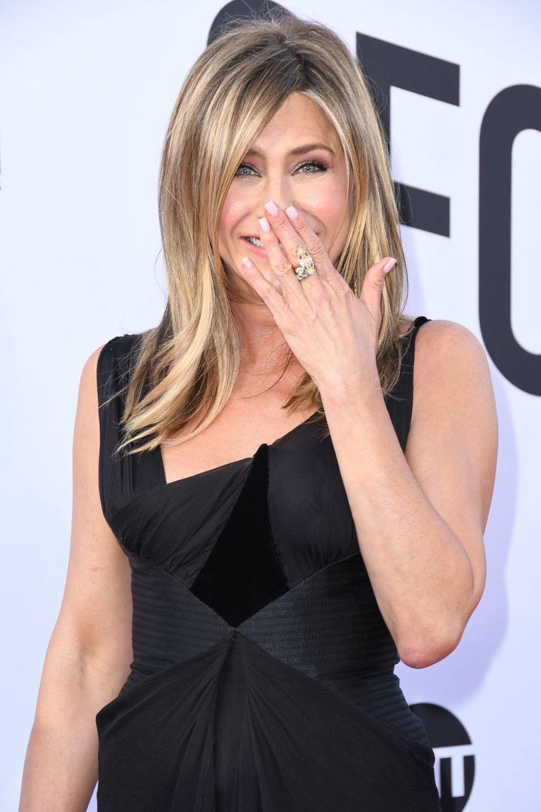 Zes tussendoortje in plaats van een maaltijd: zo behoudt Jennifer Aniston naar verluidt haar slanke lijf. Beeld Photo News