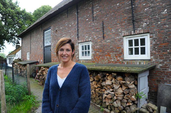 Tandarts Anna Dieleman wil een nieuwe praktijk openen in de boerenschuur naast haar huis Hof Welgelegen in Sint Laurens.