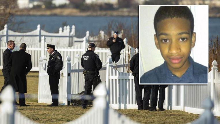 Langs de East River in New York werden afgelopen week lichaamsdelen gevonden van de 14-jarige Avonte Oquendo (kader) Beeld Reuters