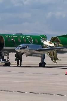 Un avion presque coupé en deux après une collision en vol