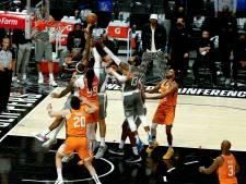 Phoenix Suns één zege verwijderd van eerste NBA-finale in 28 jaar