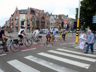 Net als in de film: passanten staan fiets af aan agenten in achtervolging en helpen zo mee fietsdief klissen