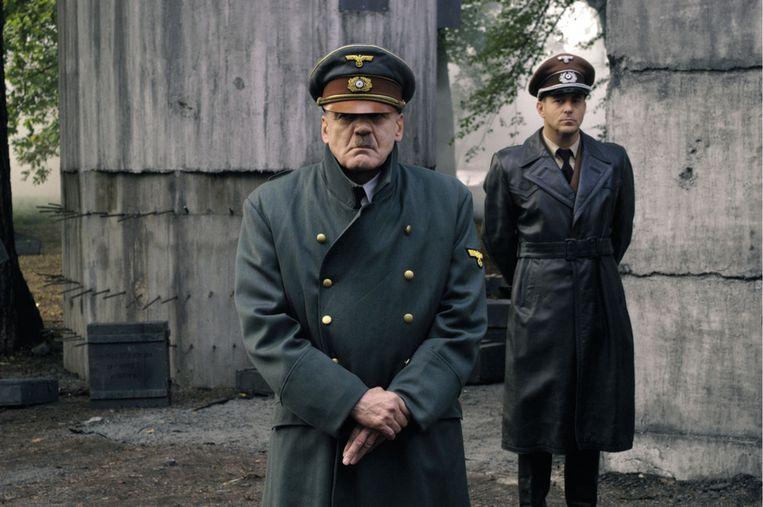 Bruno Ganz als Hitler in de film Der Untergang, over de laatste dagen in het leven van de Duitse dictator. Misch hielp regisseur Hirschbiegel bij het maken van de film. Beeld afp