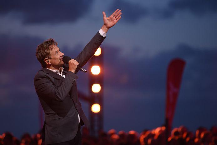 Bart Peeters tijdens Radio 2 Zomerhit in 2019 in Blankenberge