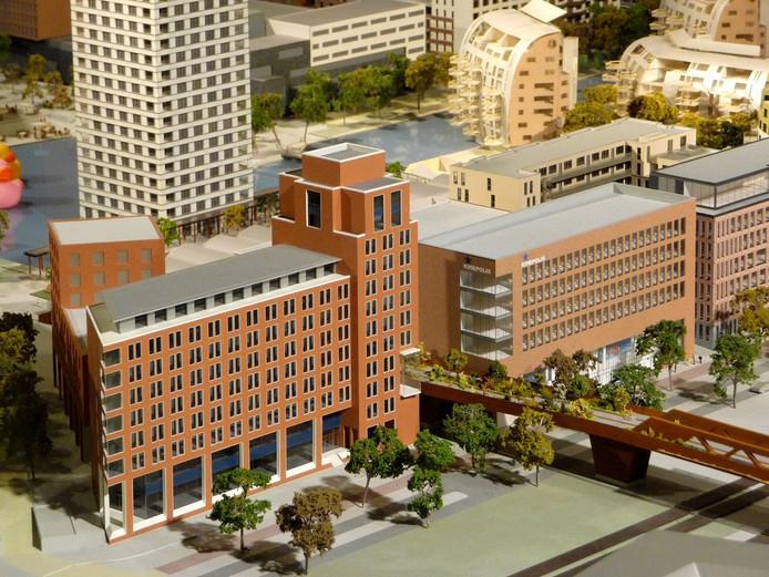 Het hotel, vooraan, zoals het plan voorheen was, en het kantoordeel achter de bioscoop, gezien vanaf de Magistratenlaan, op de Maquette van het Paleiskwartier