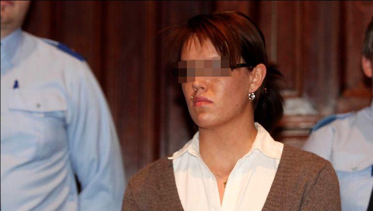 Carolien Van Looy stak in 2007 haar liefdesrivale Priscilla Nuyts neer in een café in Turnhout. Priscilla overleefde de steekpartij niet. Beeld UNKNOWN