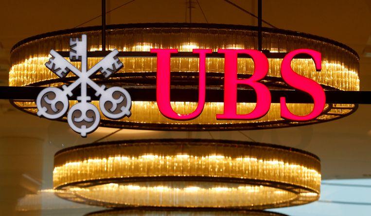 Het logo van de Zwitserse bank UBS op het hoofdkantoor in Basel. Beeld REUTERS