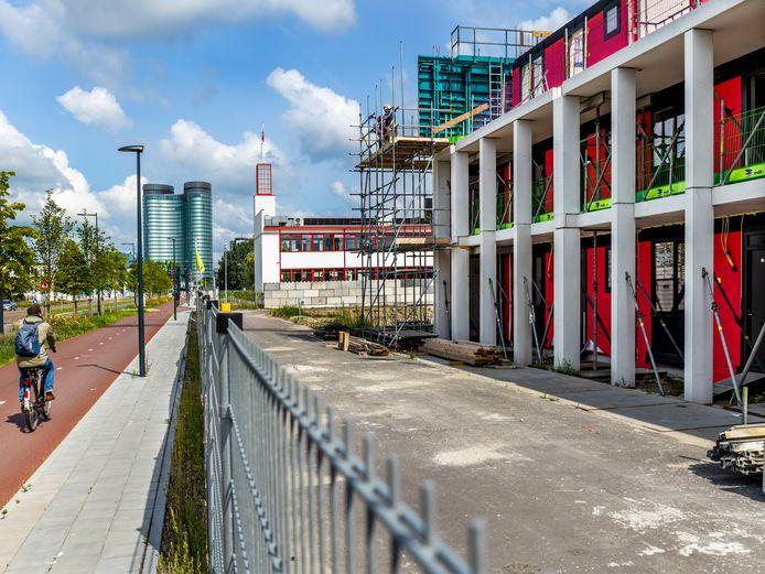 Woningbouwproject in de Merwedekanaalzone in Utrecht achter villa Jongerius aan de dr. M.A. Tellegenlaan.