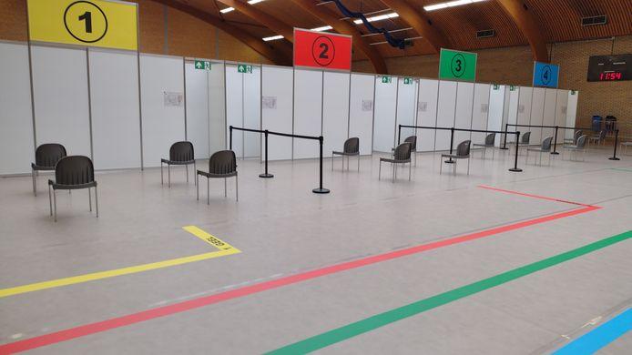 Het vaccinatiecentrum in Kortenberg werd ondergebracht in de sporthal. Daar zal al zeker tot 15 oktober niet gesport kunnen worden.