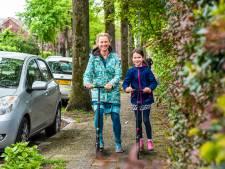 Esther (43) en Luz (7) ontdekken Dordrecht: 'Op de step door de straat of met de boot langs de Grote Kerk'