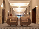 Des antiquités et des objets design provenant du Palace Hôtel de Bruxelles sont disponibles aux enchères.