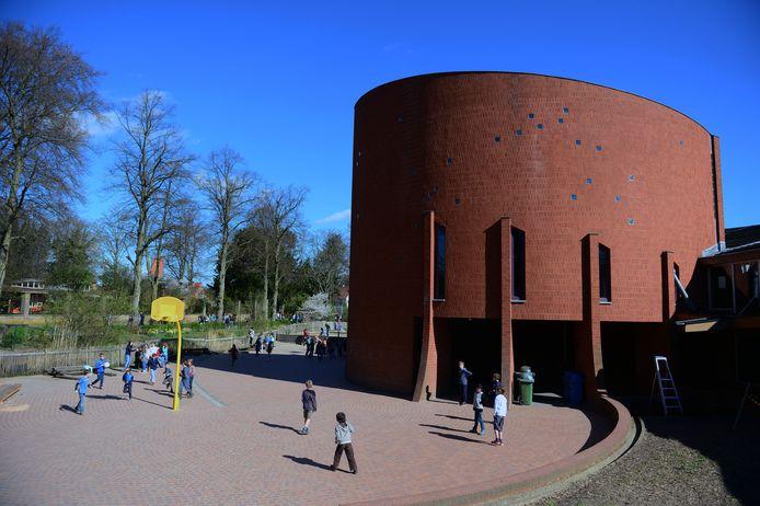 Illustratie: Steinerschool De Zonnewijzer in Wijgmaal.