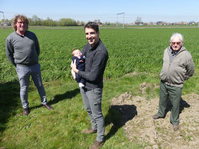 Niels Kints met baby Remi, grootvader Guy en overgrootvader Roland.