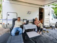 Camperen in Noordoost-Twente: 'We zijn niet honkvast, zijn we samen, dan zijn we thuis'