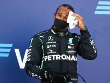 'Belachelijke tijdstraf' kost Hamilton recordzege: 'Ze proberen me te pakken'