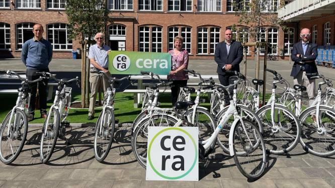 Niet elke leerling heeft een eigen fiets, dus koopt 't College zelf tweewielers voor schooluitstapjes