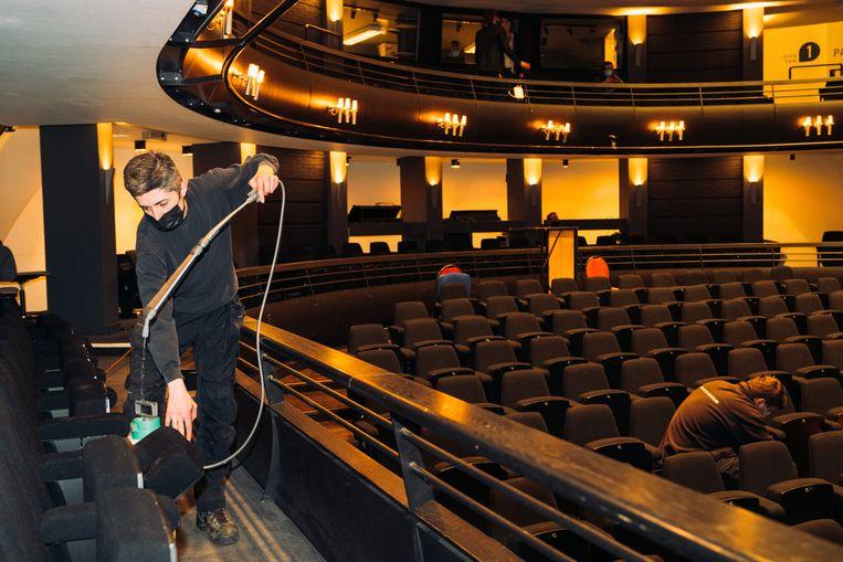 De KVS in Brussel. Na de concertsector is het beroepstheater het zwaarst getroffen. Beeld Illias Teirlinck