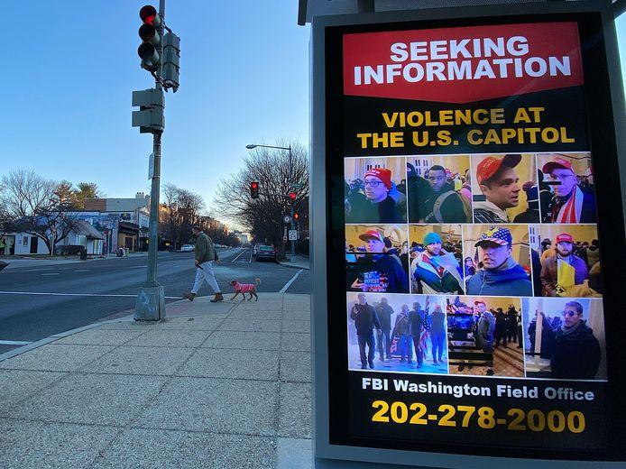 Een FBI-poster op zoek naar informatie over de Capitoolbestormers.