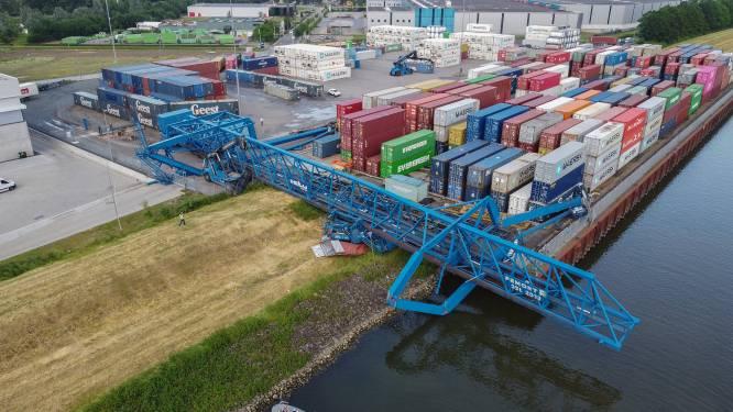 Omgewaaide kraan bij containerterminal Tiel vervangen, met gewonde machinist gaat het 'naar omstandigheden goed'