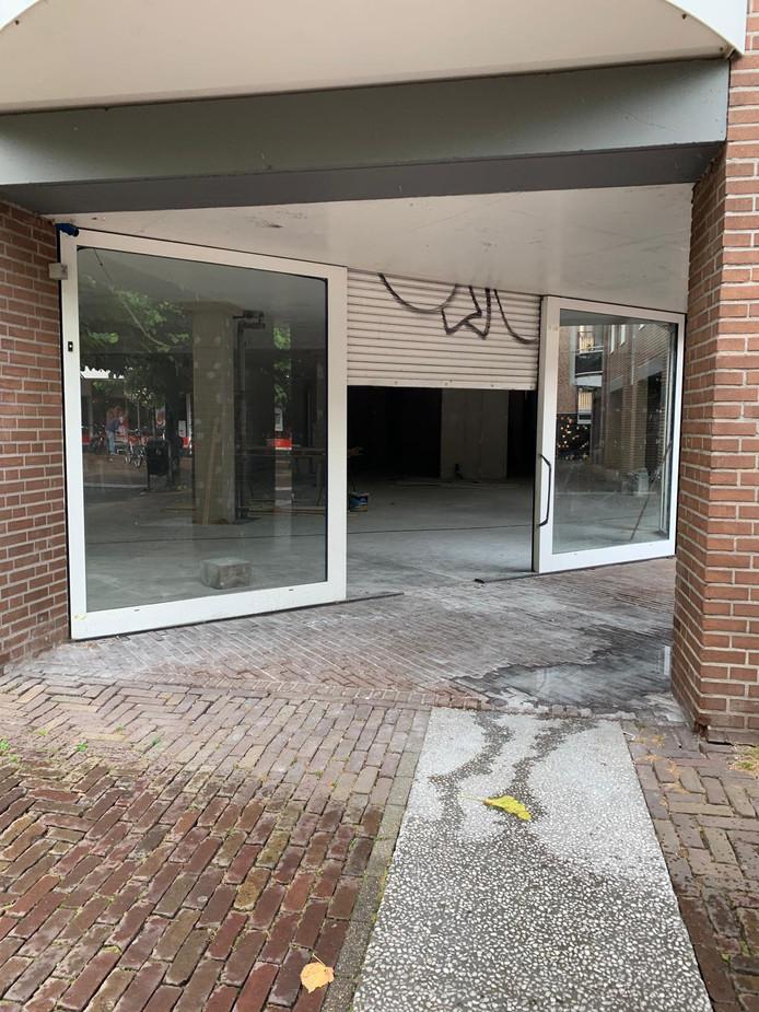 Het pand wordt op dit moment intern verbouwd. Het oude winkelpand van de Action geldt als het langst leegstaande pand van de Deventer binnenstad. Mogelijk komt daar binnen afzienbare tijd een einde aan.