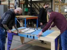 Tafels met straatkunst snel onder de veilinghamer: 'Tafel moet minstens 300 euro opleveren'