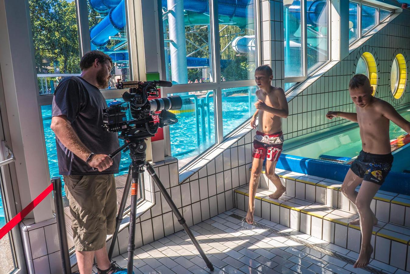 Glijbanen Tikibad schitteren op tv in 'Xtreme Waterparks ...