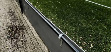 Tilburg grijpt in bij kunstgrasvelden: 3 ton om verspreiding rubberkorrels te voorkomen