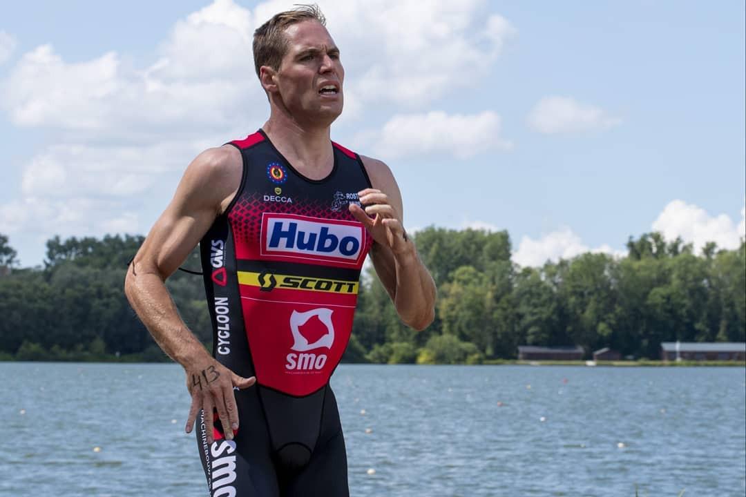 Meervoudig Belgisch triatlonkampioen en ex-olympiër Simon De Cuyper kwam normaal zaterdag voor het eerst dit seizoen aan de start in de triatlon van Lievegem, maar de wedstrijd werd in laatste instantie afgelast.