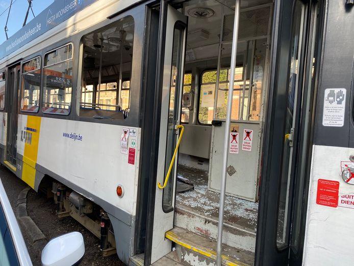 Aanrijding tussen tram en vuilniskar Hoboken.