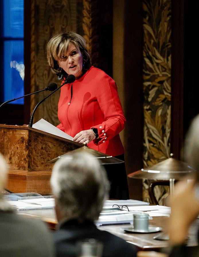Pia Dijkstra (D66) verdedigt haar wetsvoorstel in de Eerste Kamer.