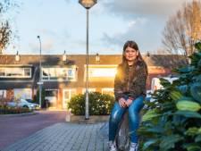 Karateka Mira (10) houdt niet van blingbling: 'Maar mijn kettinkjes met betekenis draag ik altijd'