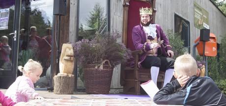 Heidekoning opent eerste Heidemarkt Holten