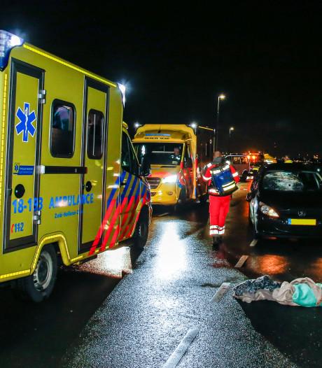 Man (79) uit Nieuw-Lekkerland ernstig gewond door aanrijding op Lekdijk
