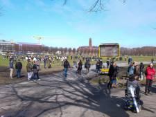 Haags Malieveld vol met demonstranten, politie roept op weg te blijven
