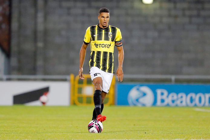 Danilho Doekhi blijft actief in Arnhem. De transfer naar Dinamo Zagreb is afgeketst.