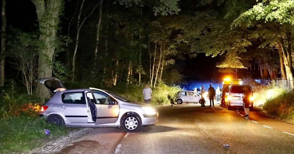 Twee gewonden bij botsing auto's op St. Jansberg in Milsbeek.